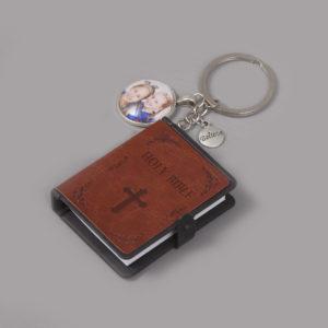 Bijbel sleutelhanger bruin