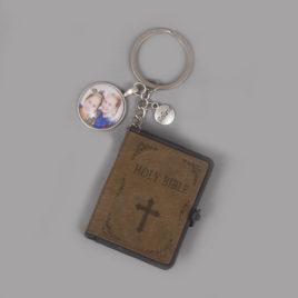 Bijbel sleutelhanger beige