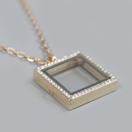Glazen medaillon vierkant goud